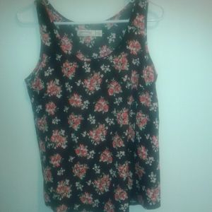 4/ $10 Faded Glory Flowy Floral Tank Size Small